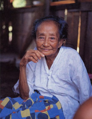 philippines Zamboanga old lady1