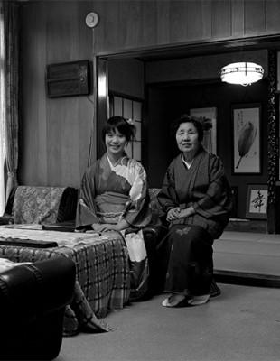 竹田久子さんと孫娘 千葉県市川 Japan